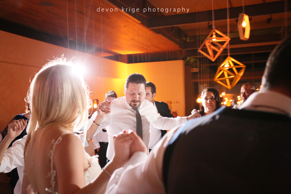 003-greek-dancing-breaking-plates-best-moments-wedding-photographer