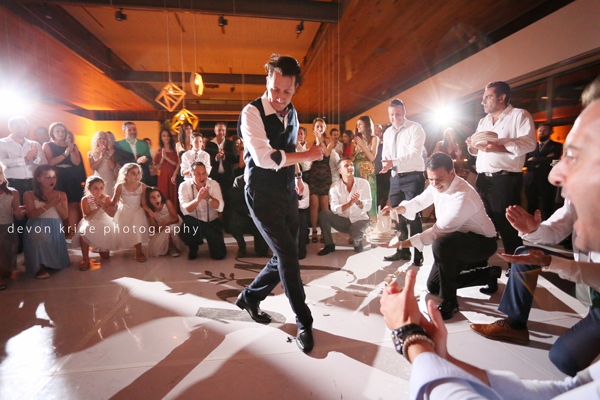 004-greek-dancing-breaking-plates-best-moments-wedding-photographer