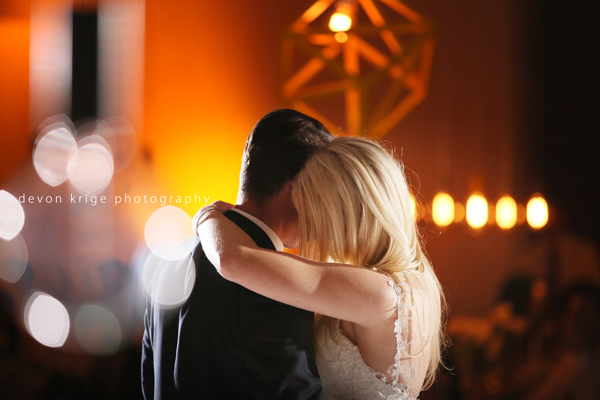 008-couples-first-dance-weddings-cape-town-professional-photographer