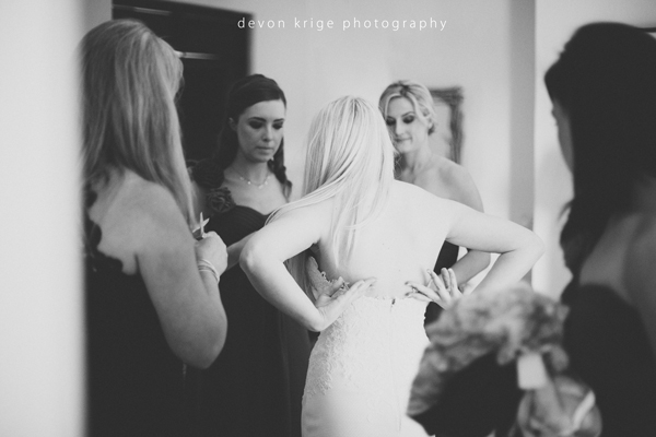 035-bridal-prep-getting-ready-cape-town-wine-farms