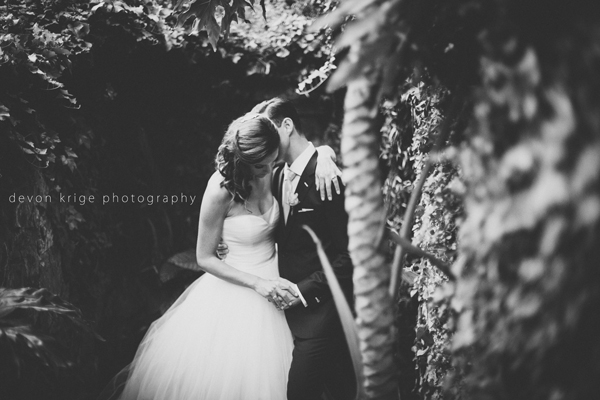 049-shepstone-gardens-wedding-best-wedding-couples-photos-close-ups-bride-and-groom-wedding-photographer