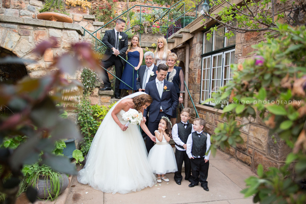 060-first-kiss-wedding-altar-shepstone-gardens-johannesburg-wedding-photographer