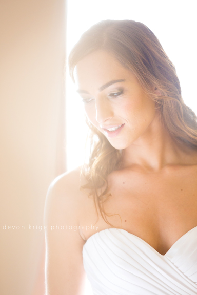 125-bridal-photos-getting-ready-photos-moon-and-sixpence-photographer