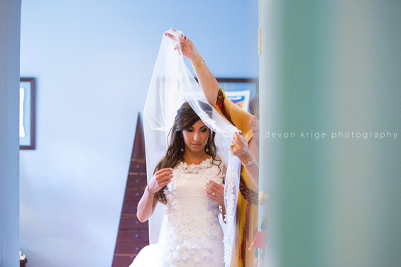 172-bride-in-wedding-dress-greek-wedding-johannesburg-wedding-photographer