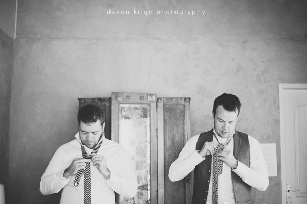 575-bridal-prep-groom-getting-ready-the-stone-cellar-wedding-venue-johannesburg-photographer