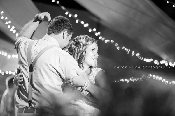 637-thabazimbi-wedding-photographer-couples-photography-romantic-wedding-photographer-johannesburg-decor-first-dance-cake-cutting