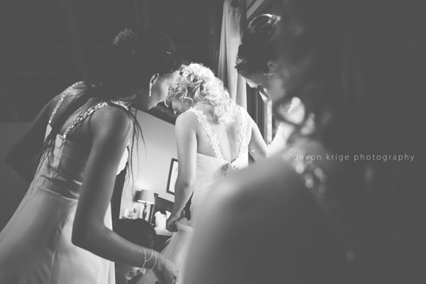 047-leopard-lodge-wedding-venue-wedding-dress-bride-getting-ready-photos-wedding-photography-johannesburg-gauteng-south-africa
