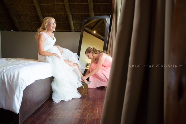 048-leopard-lodge-wedding-venue-wedding-dress-bride-getting-ready-photos-wedding-photography-johannesburg-gauteng-south-africa