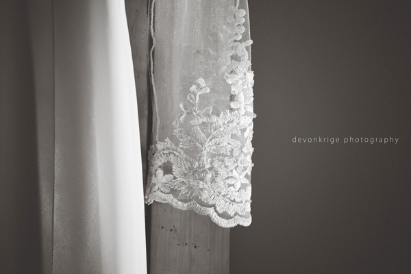 430-wedding-dress-toadbury-hall-wedding-venue-johannesburg-wedding-photographer-bridal-prep