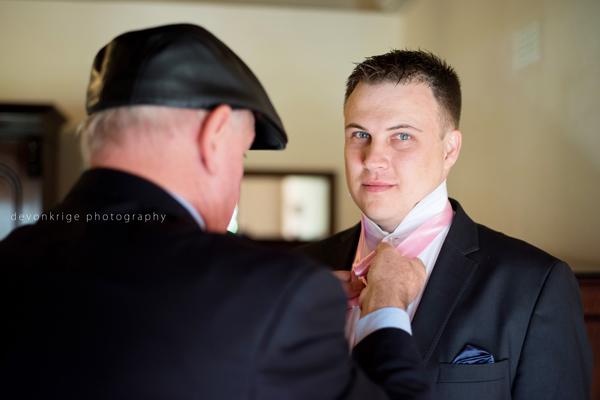 433-toadbury-hall-wedding-venue-groom-getting-ready