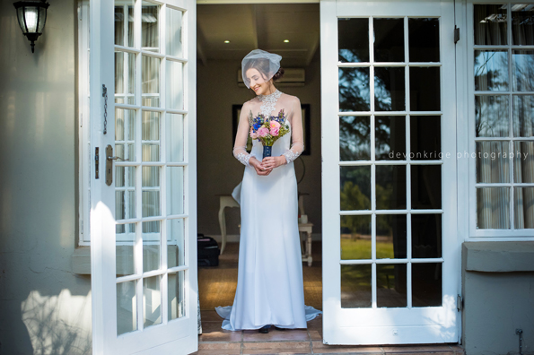 443-beautiful-wedding-images-bride-getting-ready-johannesburg-wedding-photographer-toadbury-hall-wedding-venue