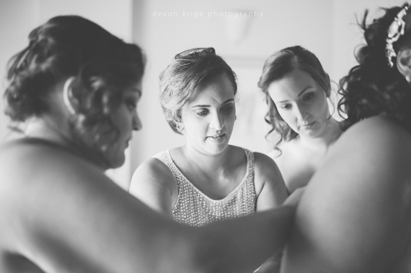 502-bridal-prep-getting-ready-photos-toadbury-hall-wedding-venue-wedding-photographer-johannesburg