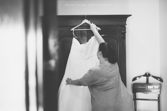 503-bridal-prep-getting-ready-photos-toadbury-hall-wedding-venue-wedding-photographer-johannesburg