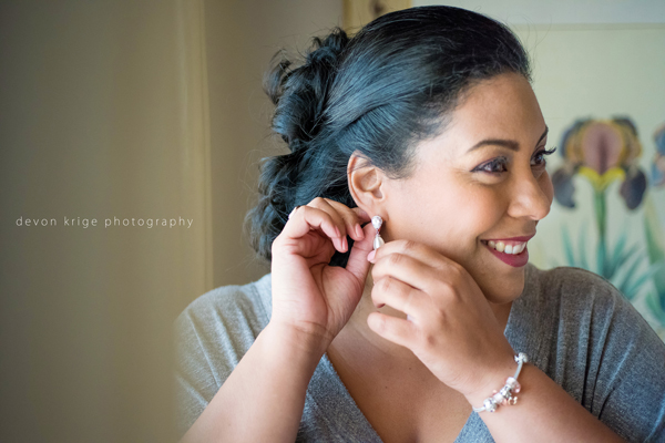 508-bridal-prep-getting-ready-photos-toadbury-hall-wedding-venue-wedding-photographer-johannesburg