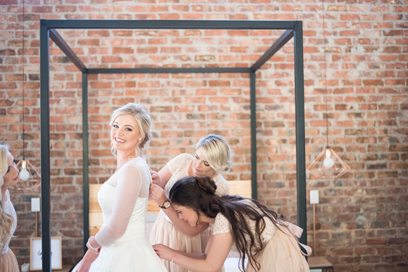 100-lace-on-timber-wedding-venue-full-wedding-pretoria