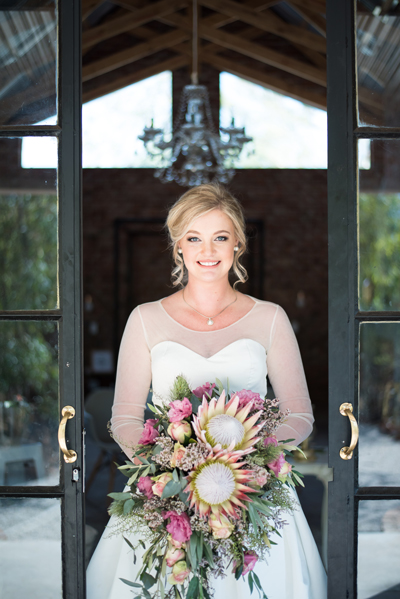 150-lace-on-timber-wedding-venue-full-wedding-pretoria